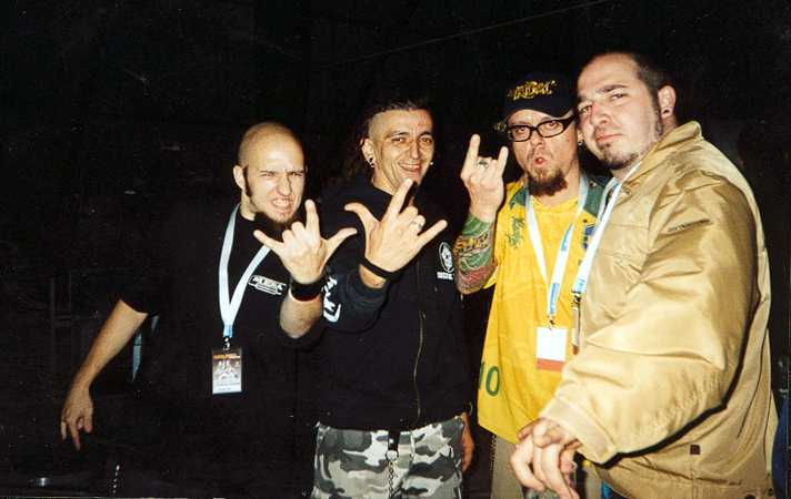 Skunk D.F. ( ViÑa Rock 2003 : Batiendo Records )