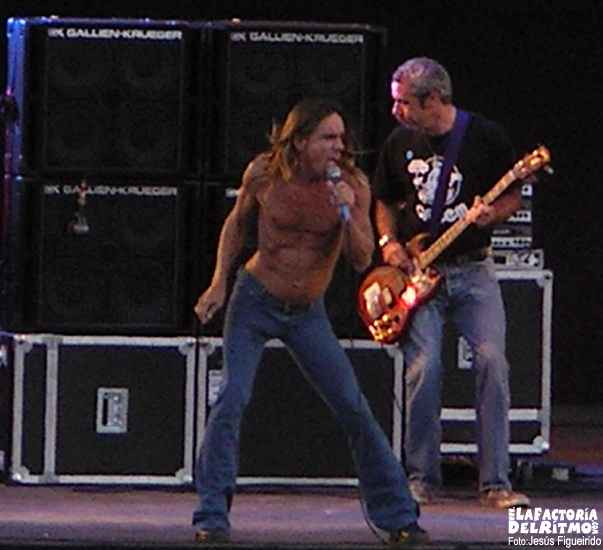 IGGY POP AND THE STOOGES. Conciertos del Xacobe 2004. ( Conciertos Del Xacobeo : 15, 16 y 17 de julio. Monte do Gozo. Santiago de Compostela )