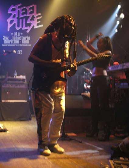 Steel Pulse. Concierto en Barcelona. Sala Apolo. 8 de Diciembre 2004.