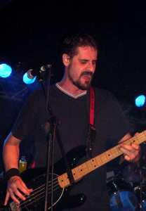 Tierra Santa: Concierto en la sala república. Valencia. 17/03/2005. presentanción viña rock express