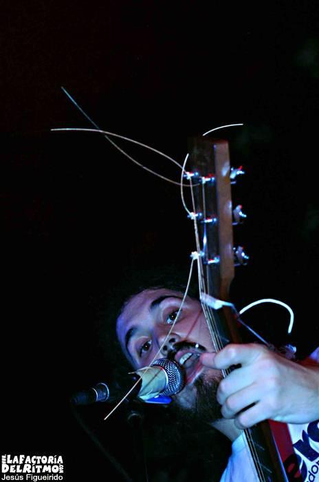 Niño y Pistola, Portrait: Concierto en Vigo – 29/12/2006