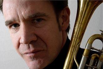 Chris Kase: El mago de la trompeta