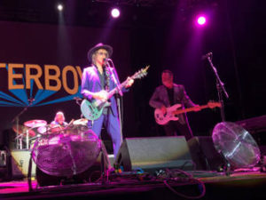 Los Conciertos de la Campa, The Mystery Lights, The Waterboys, Vintage Trouble : Concierto en Santander, 24/07/2018